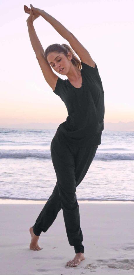 Damen - Wellness-Stretch-Longshirt - schwarz
