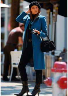 На интернет сайтах представлены фото пальто различных моделей и фасонов.