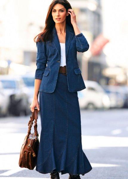 La jupe longue en jean, Taille courte
