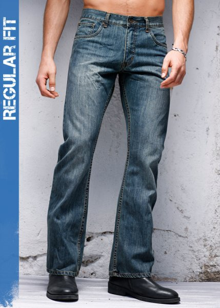 Le jean bootcut Regular Fit, Long. 32