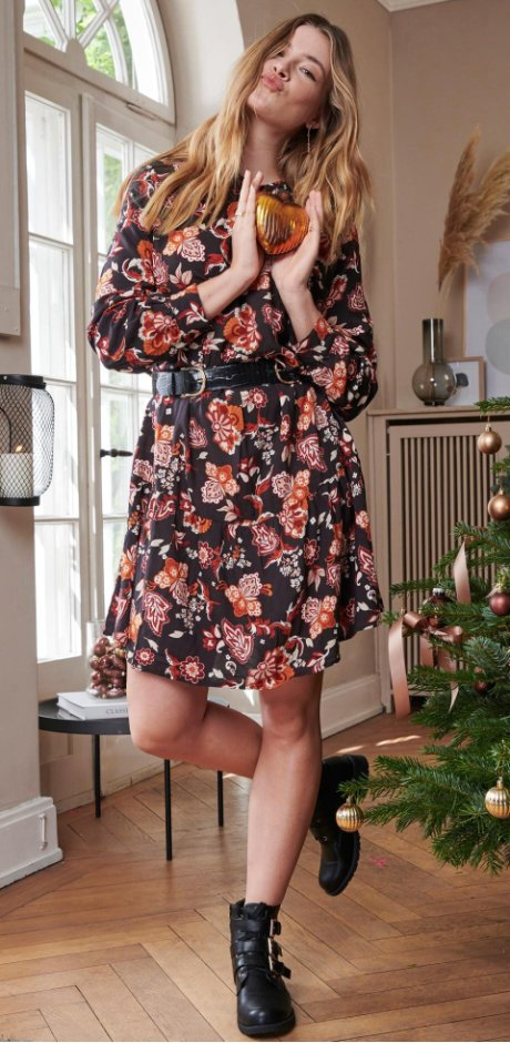 View 39+ Schoene Kleider Fuer Taufe Damen