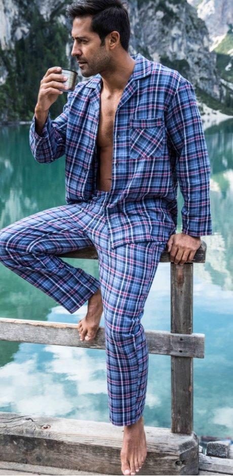 cheaper e4e5c 1b51f Herren Pyjamas: Komfort im Schlaf   bonprix