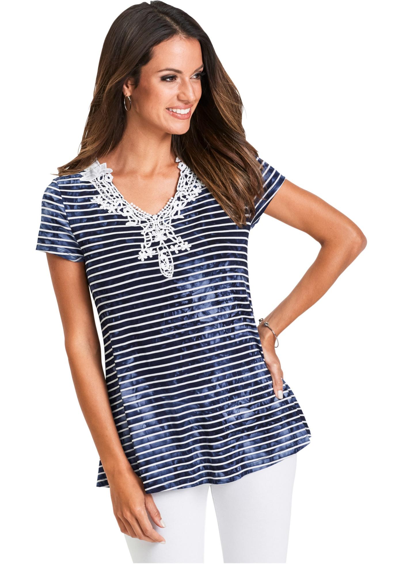 Shirt mit Spitze kurzer Arm  in blau für Damen von bonprix